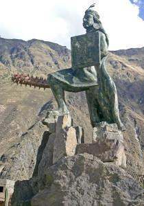 Inkaski wodz czuwa nad miasteczkiem2